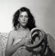 Patti Smith (1978), de Robert Mapplethorpe. 50,8x40,6 cm. Epreuve gelatino-argentique. New York, Fondation Robert Mapplethorpe. Robert Mapplethorpe Foundation. Used by permission