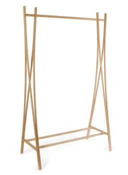 "Portant de Tomoko Azum ""Tra Tra"" en bois, 103 x 48x 162 cm, 165€, The Collection"