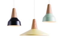 """Lampe """"Eikon"""" de Niklas Jessen et Julia Mülling en frêne,chêne ou bambou, abat-jour en métal ou en silicone, 35x26cm, 32x54cm, Schneid Lightings & Furniture"""