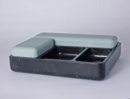 """Vide poche, boite """"Aski"""" de Laurent Nicolas avec 4 couvercles et base en marbre, L. 40 x P. 31 x H. 6,4/10,4 cm ."""