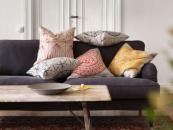 Housse de coussin en lin et coton, 50×50cm, 5,99 €/ pièce, collection Ryssby - Ikea.