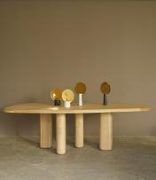 """Table """"Rough"""" deSam Accoceberry plateau en chêne massif et placage de chêne, pieds en chêne massif, L. 240 x P. 105 x H. 76 cm"""