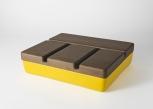 """Vide poche, boite """"Aski"""" de Laurent Nicolas avec couvercle en noyer verni et base en céramique émaillée, L. 40 x P. 31 x H. 6,4/10,4 cm ."""