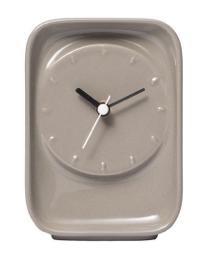 """Horloge créée par Luca Nichetto en céramique, L 9,5 x P 5,5 x H 13cm. 49€ """"Swell Ceramic"""" Petite Friture"""