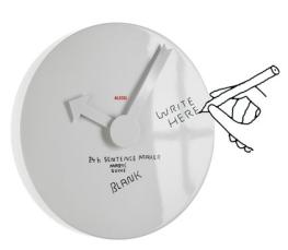 """Horloge en aluminium de 40 cm -de diamètre avec cadran vierge à personnaliser avec un feutre à encre effaçable. 110€ """"Blank """" Alessi"""