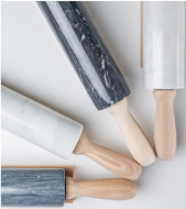 Rouleau à patisserie en marbre et bois, 55€, The Conran Shop