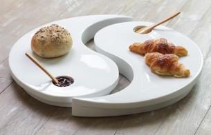 Plateau est fabriqué à Limoges par des artisans dans le respect des traditions et développé avec la maison d'édition Non Sans Raison de 38 cm de diamètre, 320€