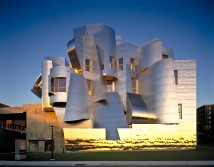 Frank-Gehry-Frederick-R-Weisman-Art-and-Teaching-Museum-1990-1993-2000-2011-Minneapolis-Minnesota-photo-Don-F-Wong