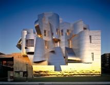 Frank-Gehry-Frederick-R-Weisman-Art-and-Teaching-Museum-1990-1993-2000-2011-Minneapolis-Minnesota-photo-Don-F-Wong