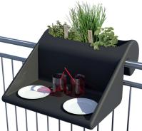 """Table d'appoint avec jardinière """"Balkonzept"""" à suspendre en polyéthylène. 155 €, Rephorm"""