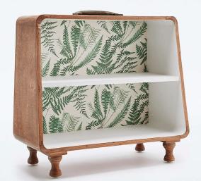 Meuble étagère avec fond papier peint palmier, Urban Outfitters