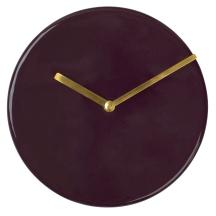 Horloge en fer de 20 cm de diamètre. 68€, Broste Copenhagen