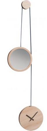 Horloge en chêne massif issu de forêts françaises gérées. 14 cm de diamètre. 123€,Drugeot Labo