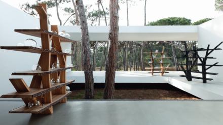 roche bobois f te les 10 ans de la biblioth que legend. Black Bedroom Furniture Sets. Home Design Ideas